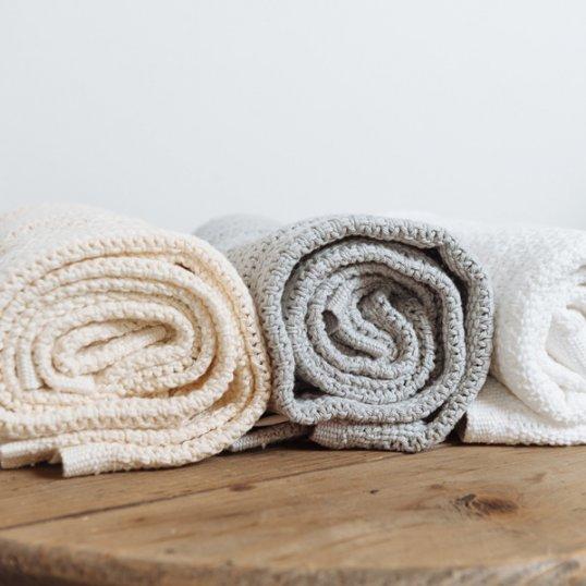 Abeille-Cellular-Blankets.jpg